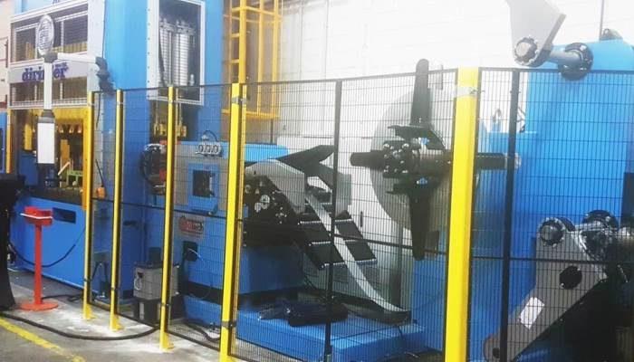 PRENSA 250 Tn DOBLE BIELA Y LINEA COMPACTA 400 mm